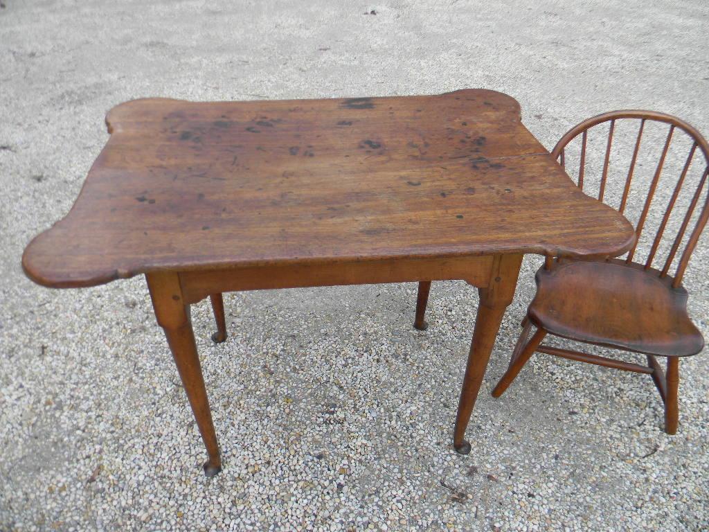 Queen anne porringer top table new england circa 1750 for England table
