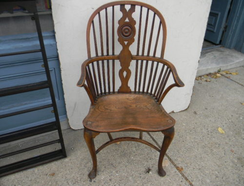 English Queen Anne Windsor Elm Arm Chair