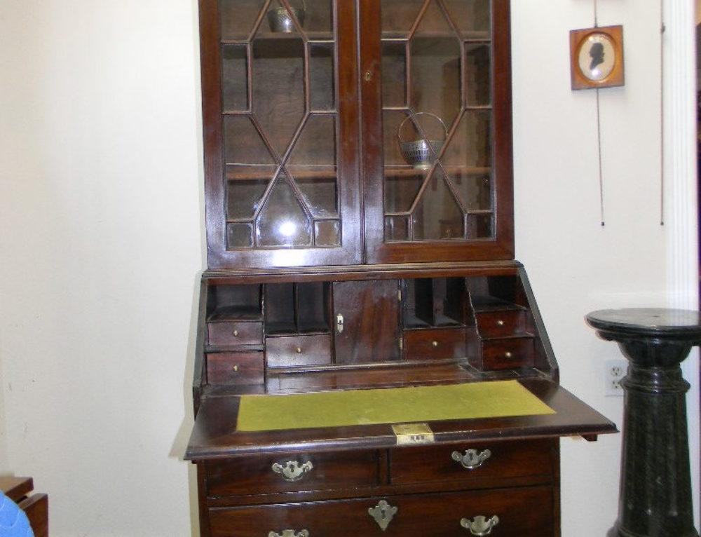 """Queen Anne Mahogany Secretary Desk Circa 1770 77""""t-30""""w"""
