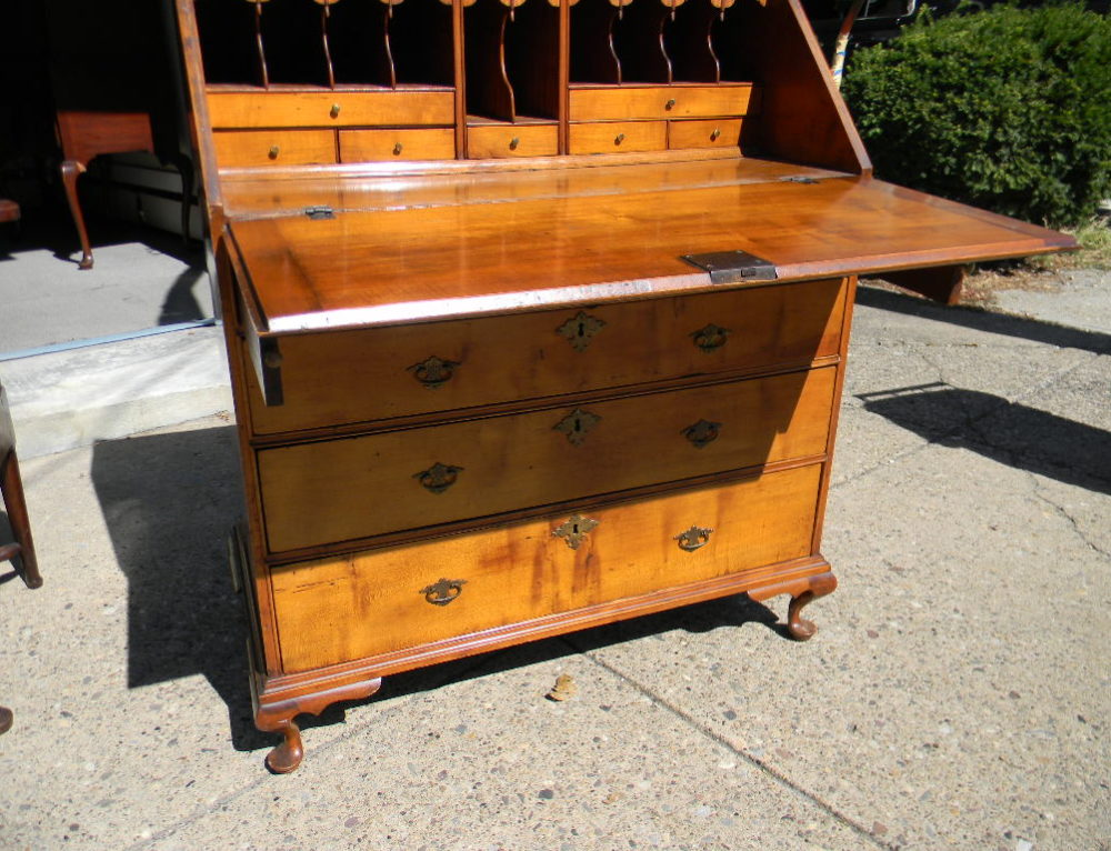 "Queen Anne Maple Desk,New England ,36""w."