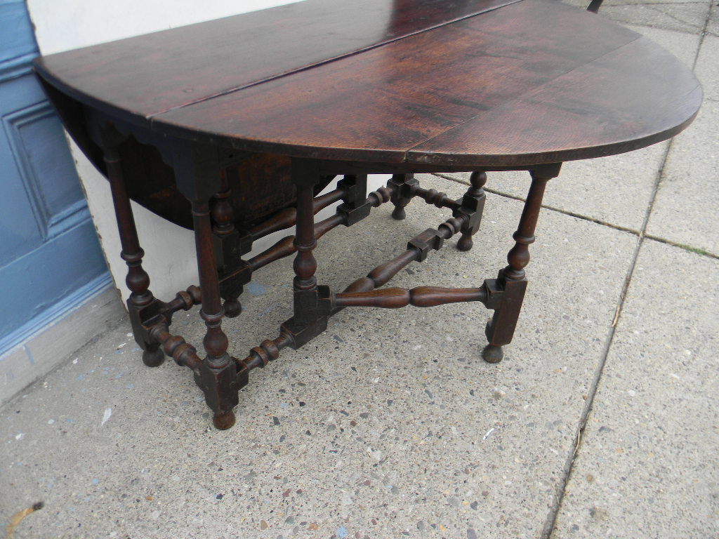 william mary oak gate leg table english circa 1720 44