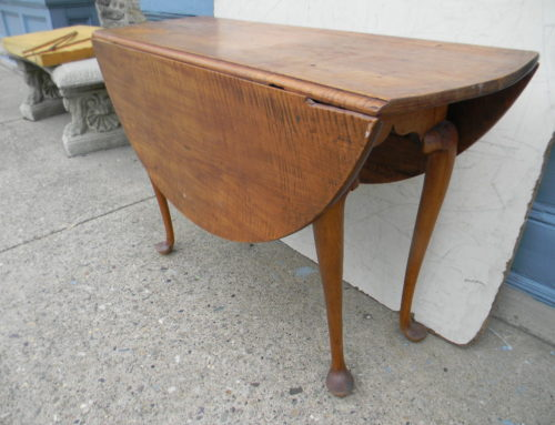 Tiger Maple Queen Anne Table,New England Circa 1750.