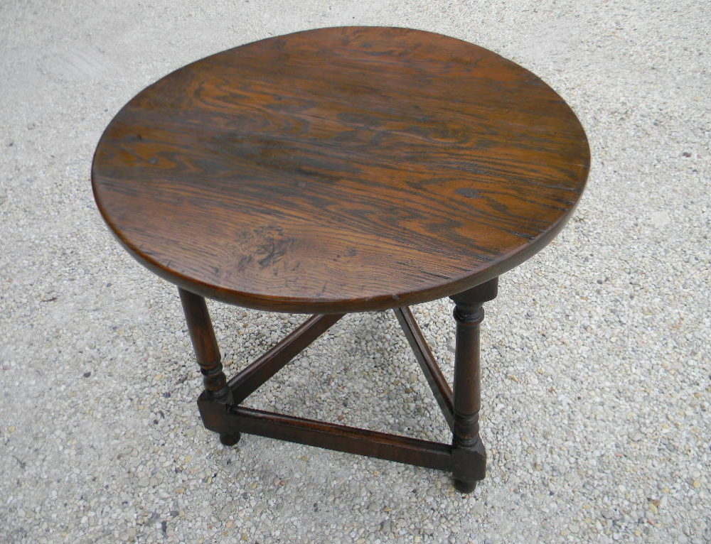 "English Oak Tavern Table Circa 1760 on 3 turned legs 22""w-24""tall"