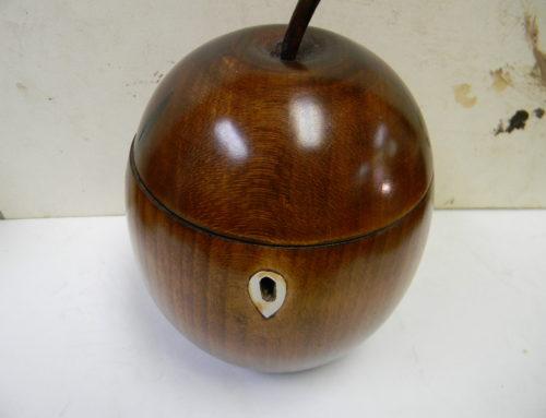 Tea Caddy Apple Form 19th century