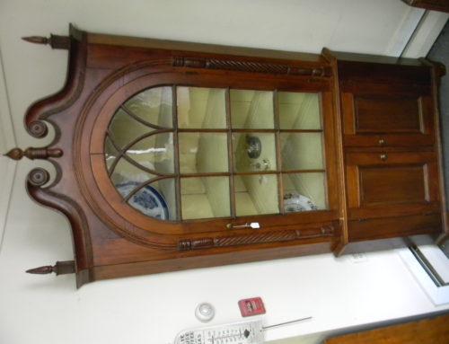 PA. Corner Cupboard 2 Piece