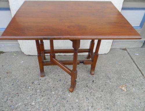 Walnut Virginia Queen Anne Table,Circa 1740